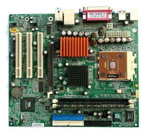 650px-MicroATX_Motherboard_with_AMD_Athlon_Processor_2_Digon3